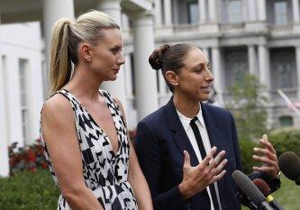 Su komandos drauge susituokusi WNBA žvaigždė D. Taurasi: santykių nelaikėme paslaptyje, bet ir neafišavome