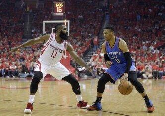 """Istorinis R. Westbrooko sezonas baigėsi pirmajame atkrintamųjų varžybų etape, """"Rockets"""" žengė į konferencijos pusfinalį"""