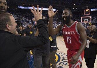 """Nepamirštamame trileryje """"Rockets"""" vienu tašku palaužė čempionų žiedus atsiėmusius """"Warriors"""""""