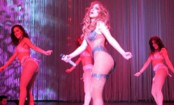 Atsipalaidavusios Jennifer Lopez šokis klube drebina internetą (VIDEO)