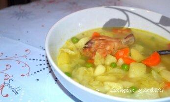 Daržovių sriuba su vištiena