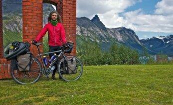 Aurimo istorija: 10 tūkst. kilometrų dviračiu ir 180 naktų po žvaigždėmis