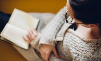 Knygų blogerė rekomenduoja: skaitiniai jaukiam vakarui