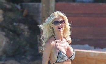 Victoria Silvstedt: 42 metų švedė demonstruoja pavydėtinas formas