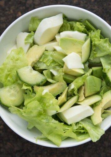 Tobulos avokadų salotos LIEKNĖJANTIEMS