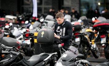 Vilnius sugriaudėjo: startavo didžiausias kultūrinis mototurizmo ralis
