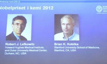 Nobelio chemijos premijos laureatai Robertas J. Lefkowitzas ir Brianas K. Kobilka