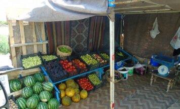 Vaisiai ir daržovės pakelėje. Rytų Turkija