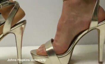 Studentai pagamino specialų kojos protezą aukštakulnių mylėtojoms