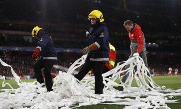 Bayern klubas nubaustas už aistruolių netinkamą elgesį Londone
