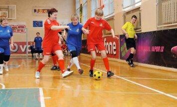 Močiučių futbolas neturi lygių pasaulyje