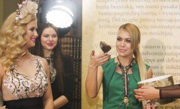 Renata Norvilė ir Simona Brazdžionytė
