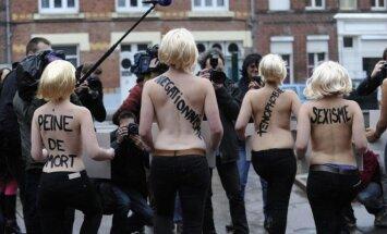 Prostitutės protestuoja prieš prostitucijos kriminalizavimą Paryžiuje