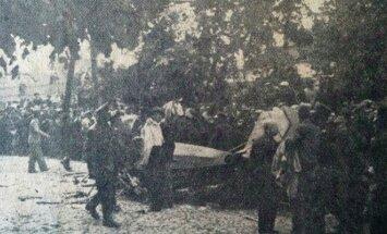 C. Kiernowicziaus ir J. Paprzyckio pilotuoto lėktuvo fragmentas ant šiandieninės A. Jakšto g. grindinio. 1936 m. birželio 8 d.