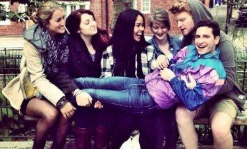 Davidas Morrissey Lennonas su draugais