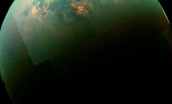 Saturno palydovas Titanas būtų nebloga vieta silicio pagrindu sudarytai gyvybei (nuotrauka - mozaika iš zondo Cassini kadrų)