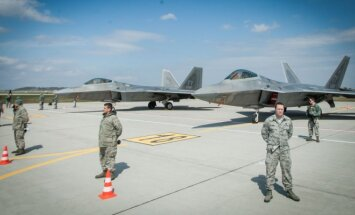 F22 Raptors at the Zokniai