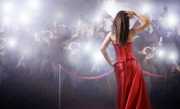 Žvaigždė, raudonas kilimas, paparacai, fotografai, įžymybė