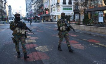 Soldiers patrolling Brussels streets after attacks