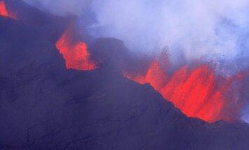 Vis dar lava trykštantis Bardabungos ugnikalnis Islandijoje