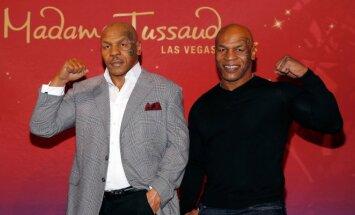 Mike'as Tysonas ir jo vaškinė figūra