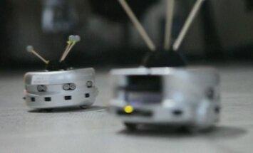 Bendradarbiaujantys robotai