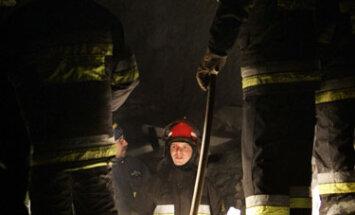 Katovicuose sugriuvus parodū rūmams vyksta gelbėjimo darbai