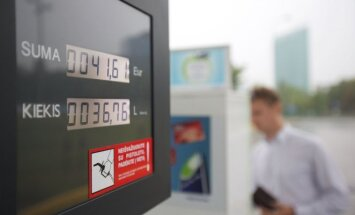 Vairuotojai nesidžiaugs: į degalines atidunda kainų šuolis