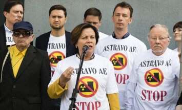 Former Lithuanian Defense Minister Rasa Jukneviciene speaking at protest against Belarusian nuclear plant    Photo © Ludo Segers @ The Lithuania Tribune