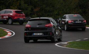 Top Gear vairavimo akademijoje galima dalyvauti savo automobiliais