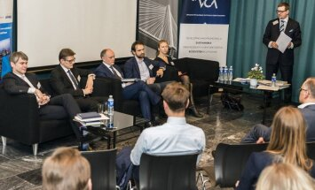 Panel disussion at the  Estonian Chamber of Commerce in Vilnius