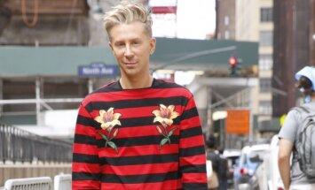 Dryžuotas vyriškas megztinis