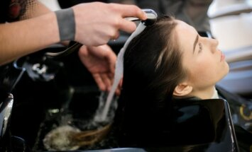 Plaukų stilistas papasakojo, kas žudo jūsų plaukus