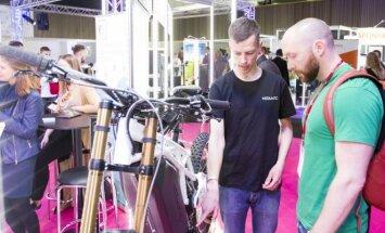 """""""Login Startup Fair"""" siūlys pagroti lazeriniais instrumentais"""