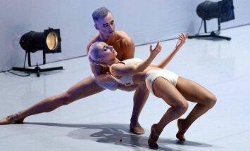 Baltjos baleto teatro šokėjai