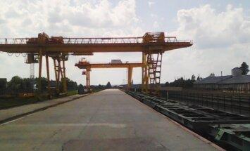 Cranes in Šeštokai station