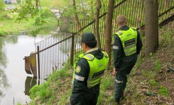 Nelegali tvora prie Vilnelės