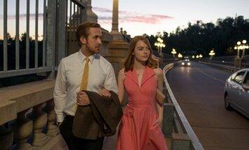 Ryanas Goslingas ir Emma Stone, kadras iš filmo Kalifornijos svajos