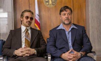 Ryanas Goslingas ir Russelas Crowe komedijoje Kieti bičai