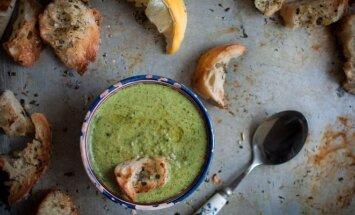 Subtiliai švelni špinatų, brokolių ir kokosų pieno sriuba