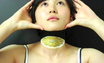 Menininkė iš Japonijos gerbėjus stebina iliuzijų piešiniais ant kūno
