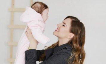 Sotera Šveikauskaitė su dukrele