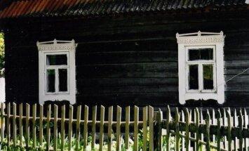 Šilėnų sodybos pasipuoš naujais langų apvadais