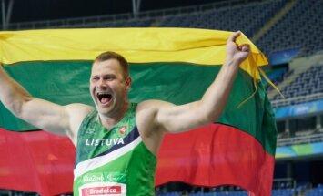 Mindaugas Bilius at Paralympics just after winning the golden medal