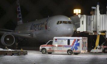 """""""American Airlines"""" lėktuvas nusileido Niufaundlande, Kanadoje"""