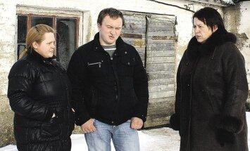 Julija ir Vaidas Sereikos su Gražina Gauronskiene