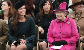 Catherine Middleton ir Elizabeth II.