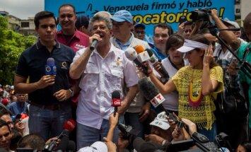 Venesuelos prezidentas grasina gamyklų nusavinimu