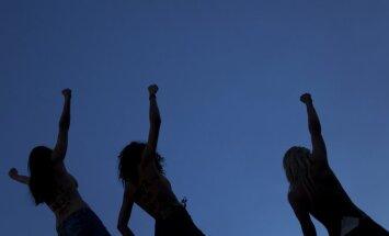 Femen aktyvistės Davose