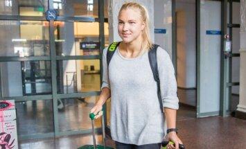 Rūta Meilutytė grįžta iš varžybų Bratislavoje